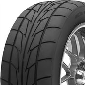 Nitto NT555R 325/50R15 Tire Tread