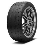 Nitto NT05 255/35R18 Tire