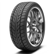 Nitto NT555 255/45R18 Tire